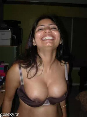 desi auntie removed saree and blouse