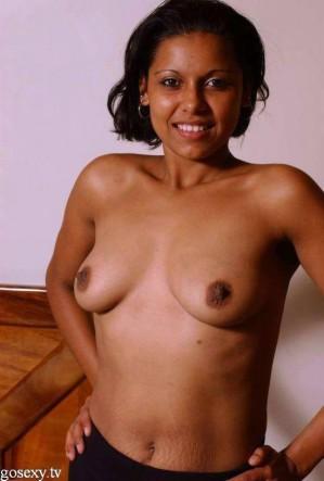 bhabhi indian girls boobs photo removing bra and salwar-0002