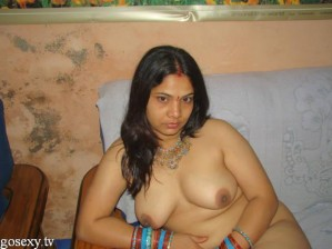 bhabhi indian girls boobs photo removing bra and salwar-0007