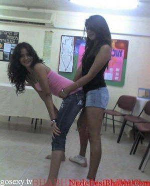 naughty school girls photos from girls hostel