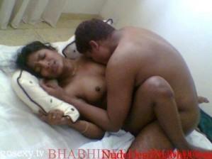 nude bhabhi boobs and chut photos