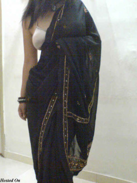 saree removed indian house wife