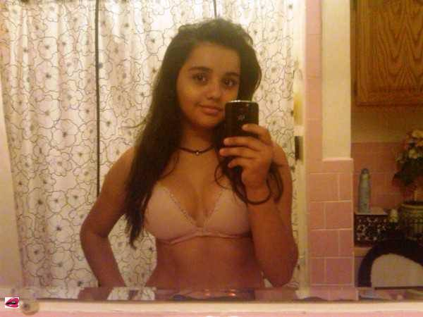 melody jordan is curious about playing with herself on cam