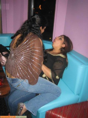 desi college ya school girls her body fingering video