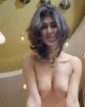 indian girl hostel nude showing boobs
