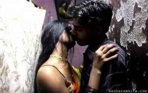 french kissing of indian college girl