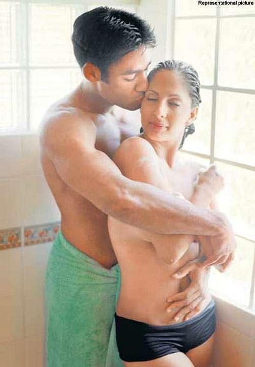 Desi Jawan Ladki Ki Chut Aur Gand Ki Naked Photo-2314