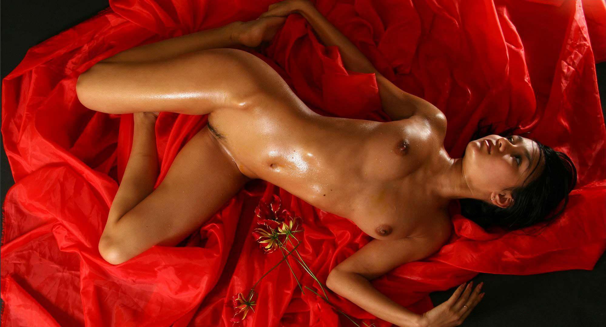 sensual kathia nobili loves toying her moist pussy