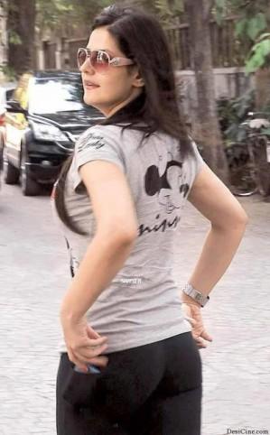 actress zareen khan ki gaand ki photo