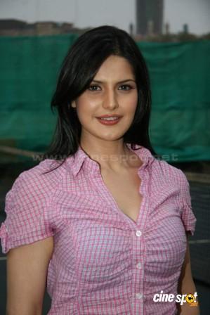 zarine khan hot boobs fuck