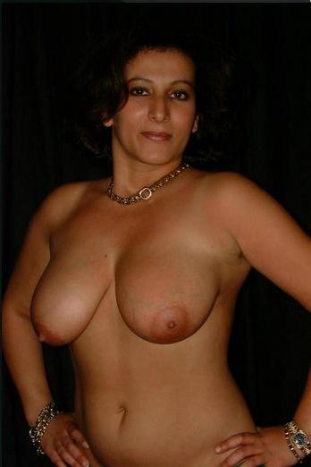 Hot sexy bra aunty good