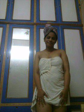 bathing pics south indian mallu hot wife