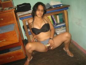 delhi college girl homemade topless pics