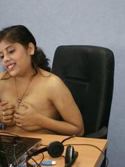 deshi indian girl boob tuch office sex
