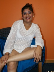 deshi indian girl sexy look