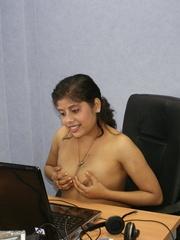 deshi indian girl tuch boobs