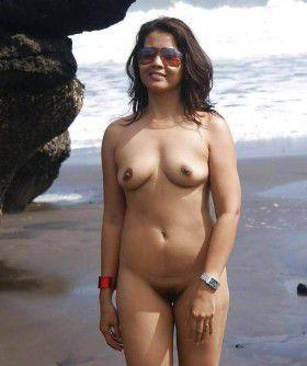 desi girl naked beach pussy