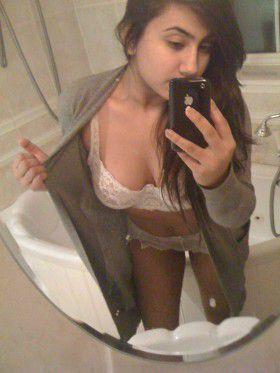 desi girl stripping nude