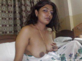 desi housewife panty showing hairy armpits