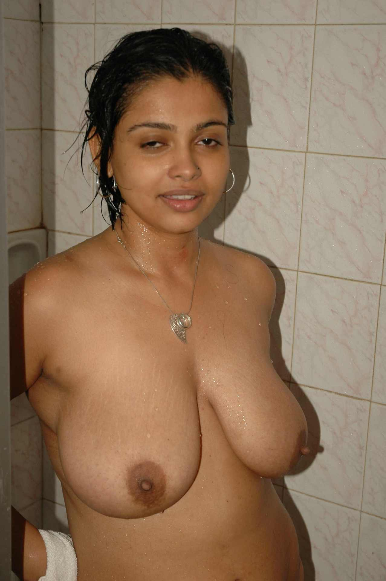 Indian Housewife Aurat Nangi Homemade Photos-6108