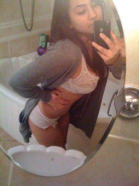 desi teen college girl bathroom sex photos