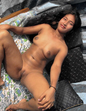 dipta aunty showing big hairy chut pic