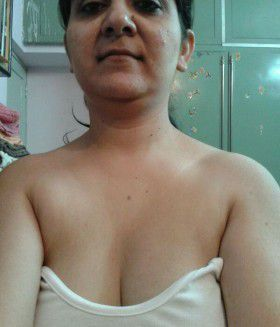 horny indian wife bathroom photos