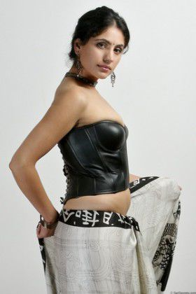 hot housewife Sex saree