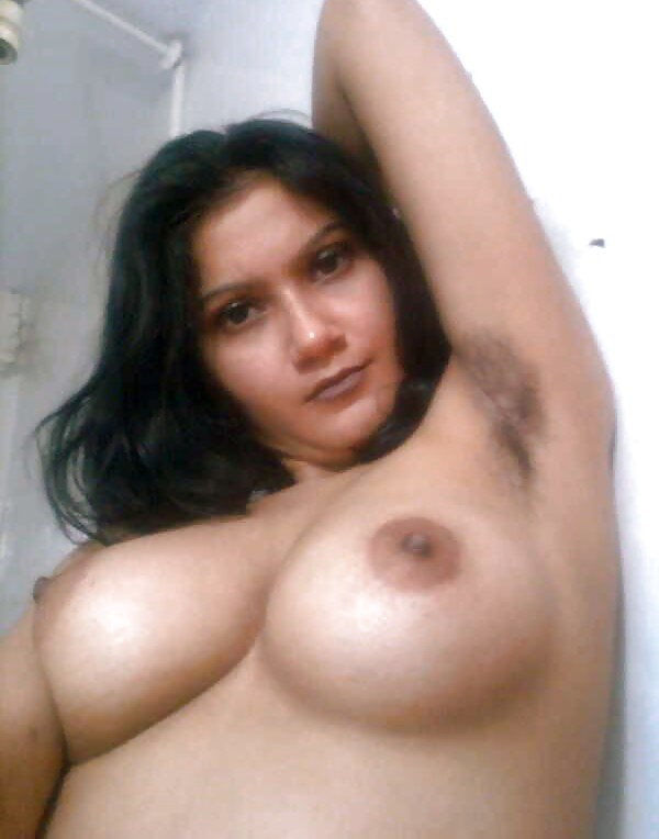 Indian Housewife Aurat Nangi Homemade Photos-3585
