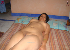 hot slepping vhabi pussy HD photo