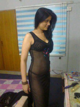 indian aunty black nighty nude hot pic