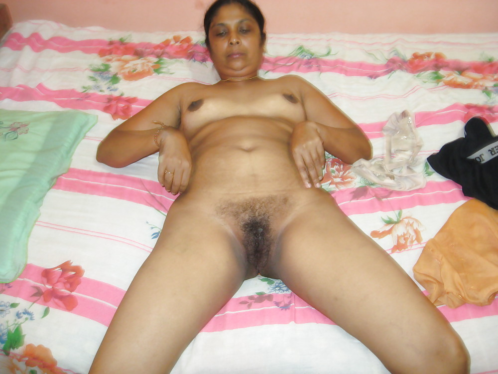 Desi Bhabi Girls Nude Unseen Photo-8376