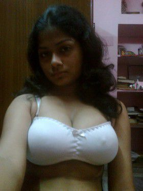 Indian Girl Nude big boobs Selfie