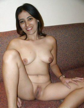 indian gujarati hot sexy bhabhi naughty chut pic