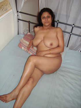 indian hot aunty bedroom naked pics