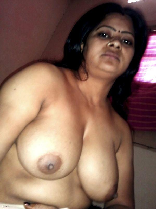 Desi Prostitute Old Aged Aunty Ki Leaked Nude Pics-5695