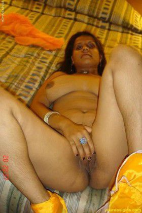 indian housewife ki nude vagina rubbing images