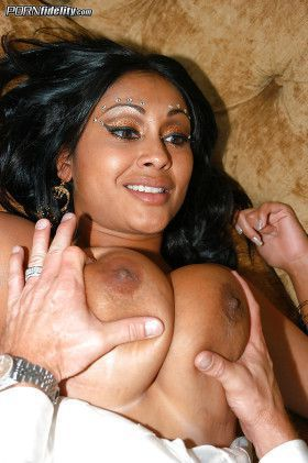 indian priya rai tight tits pressing hard images