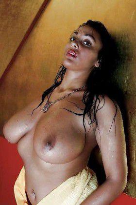 Kolkata bhabhi real boobs fucked hard