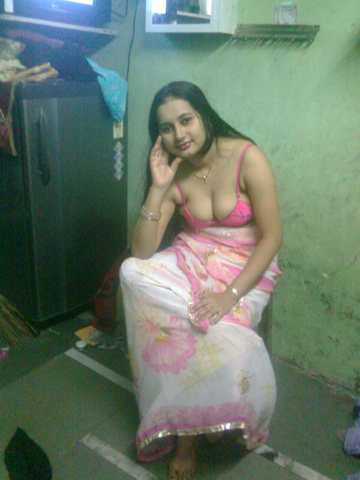 Desi Indian Bhabhi Big Boobs Shaved Pussy Naked Hot-7078