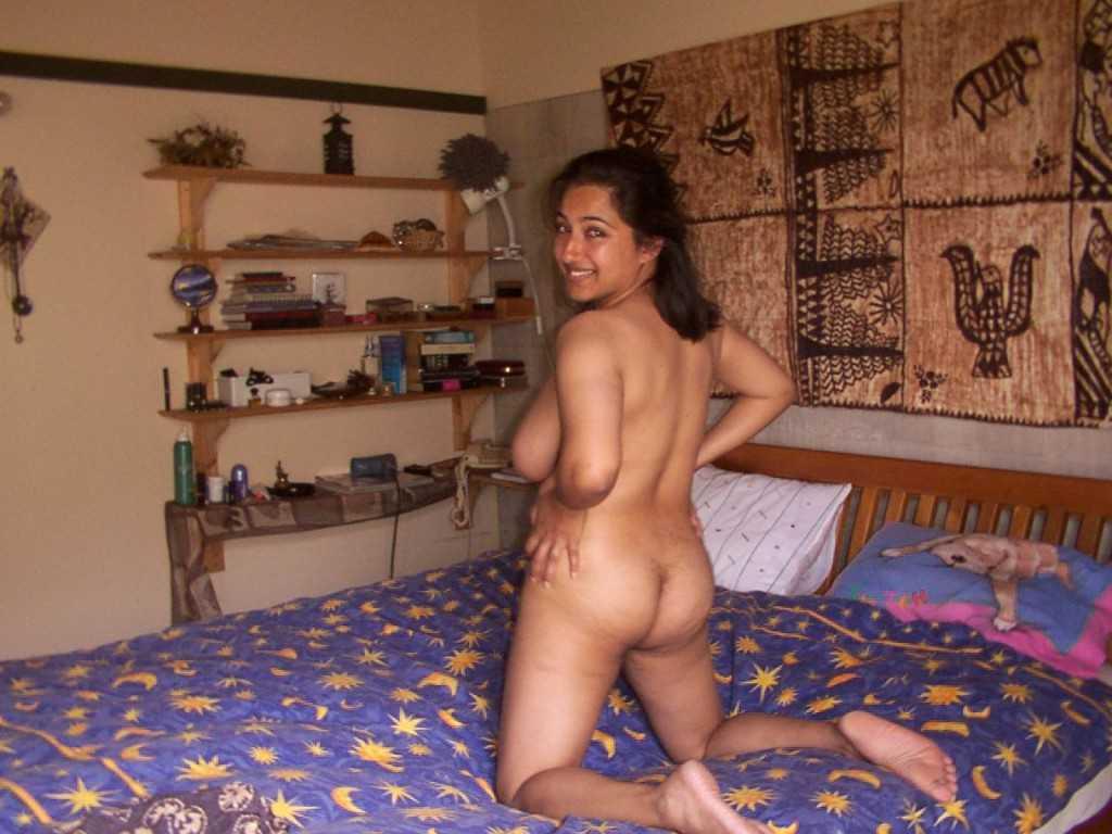 bhabhi bedroom