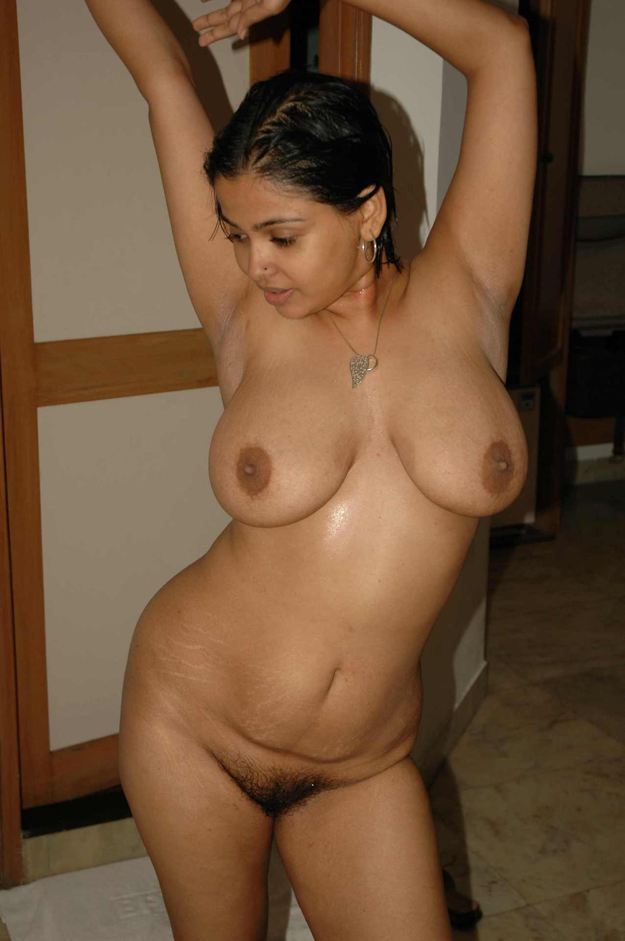 Indian Housewife Aurat Nangi Homemade Photos-5379