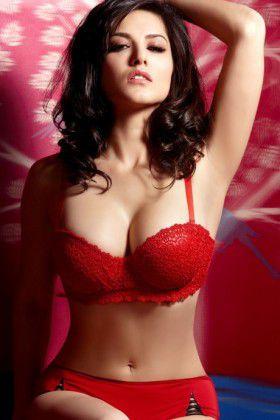sex queen suuny leone bikini model photoshoot