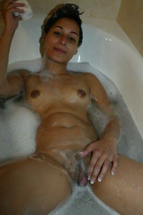 indian bhabi shower bathtub nude boobs