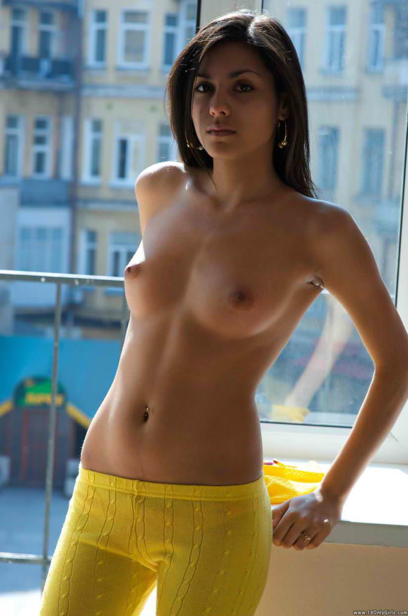 Bald indian girl-7024