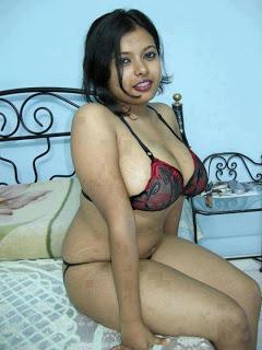 gujrati bhabi big boobs bra nipple naked