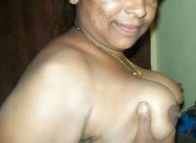 indian aunty xx nipples