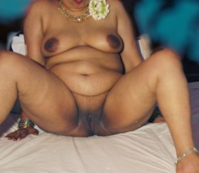 naked xxx desi cunt