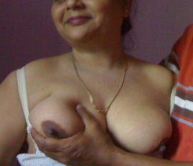 sexy aunty big nipples