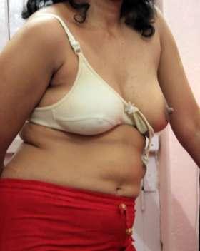 sexy nipple showing bhabhi